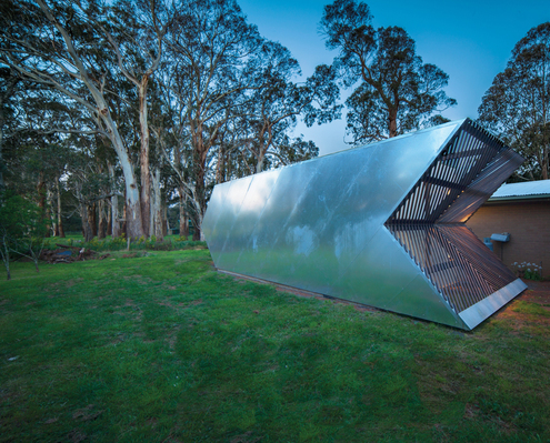 Arrow Studio by Nervegna Reed Architecture (via Lunchbox Architect)