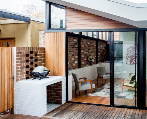 Brick House by Bastian Architecture (via Lunchbox Architect)