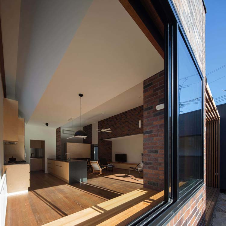 Bridge House By Junsekino Architect And Design: Bridge House 2 Turns Its Back On Busy Street To Become A