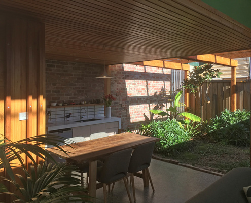 Brunswick Cottage by EM Architects (via Lunchbox Architect)