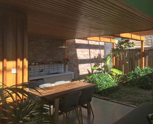 Brunswick Cottage by EM Architects (via Lunchbox Architect)