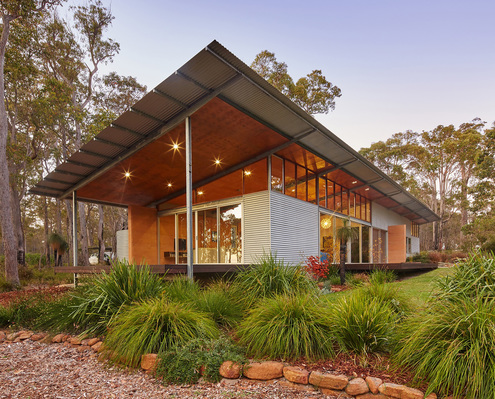 Bush House by Archterra Architects (via Lunchbox Architect)