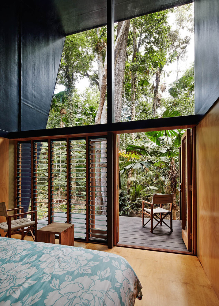 An off the grid home appropriate to its stunning for Architectural window designs