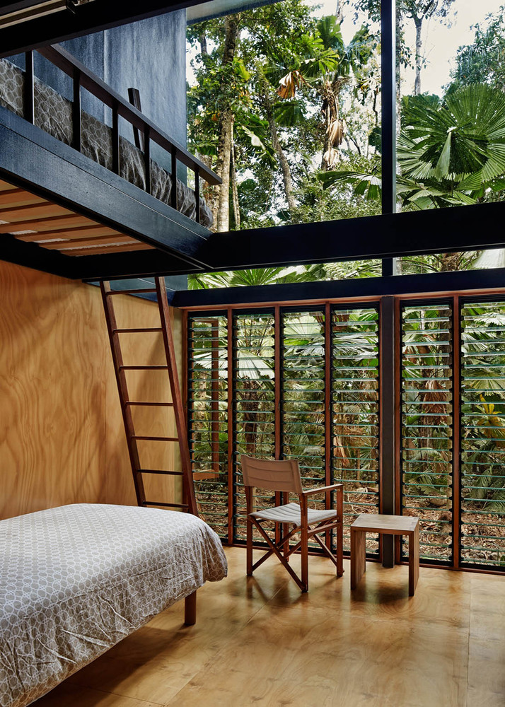 An off the grid home appropriate to its stunning for Best house design tropical climate