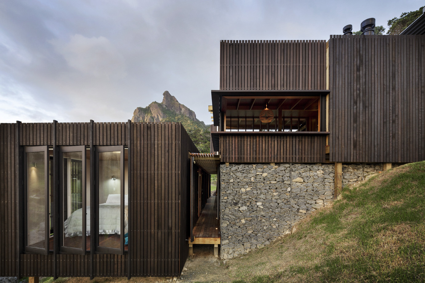 Castle rock beach house in search of the perfect nz beach for Coastal home designs nz