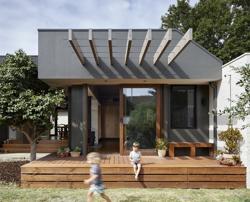 Courtyard Deck House by ZGA Studio (via Lunchbox Architect)