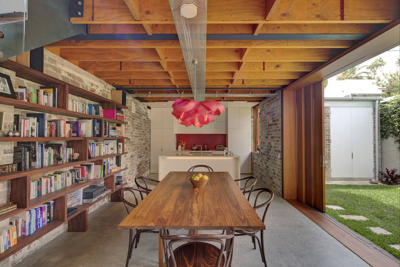 ^ Former owshed is ransformed Into a Modern Home