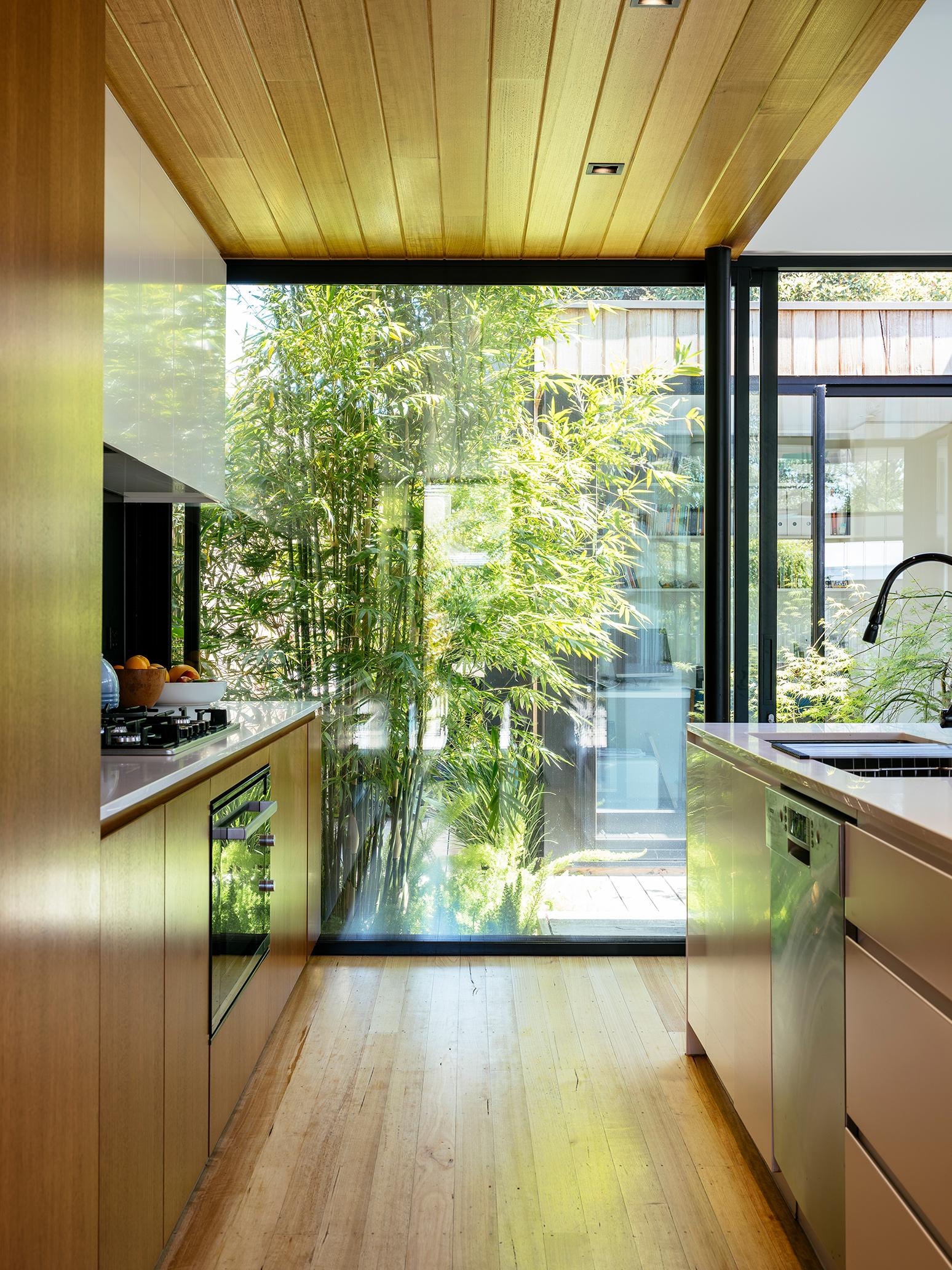 Mid-century Modern House Senstively Updated for 21st ...