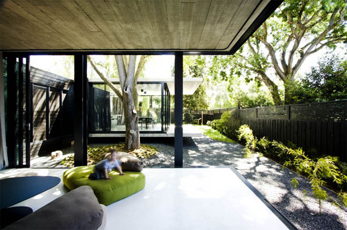Elm And Willow House A Home That Blurs Indoors And Outdoors