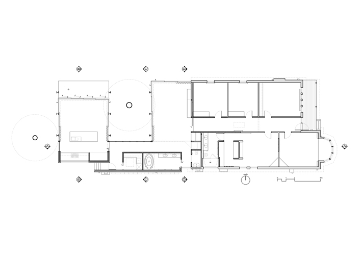 Elm and willow house a home that blurs indoors and outdoors for The willow house plan