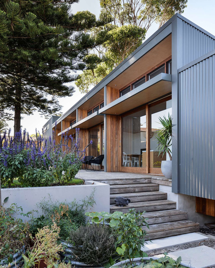 Prefab Shipping Container Homes: Redhead Alterations: 1970s Home Transformed For Energy