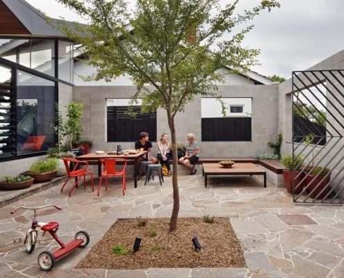 Fairfield Hacienda by MRTN Architects (via Lunchbox Architect)
