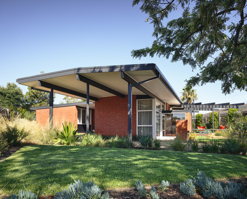 Frankston Mid Century Modern by MRTN Architects (via Lunchbox Architect)