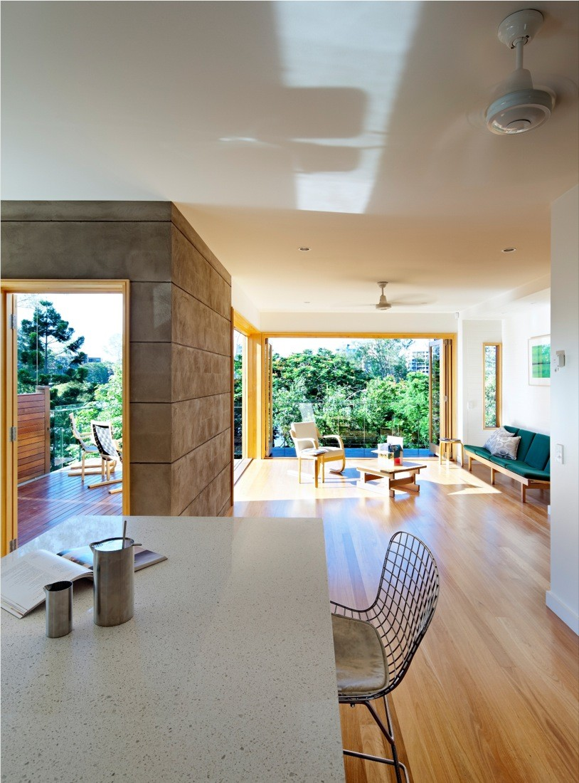Hill End Ecohouse Reuses Materials From Existing Home