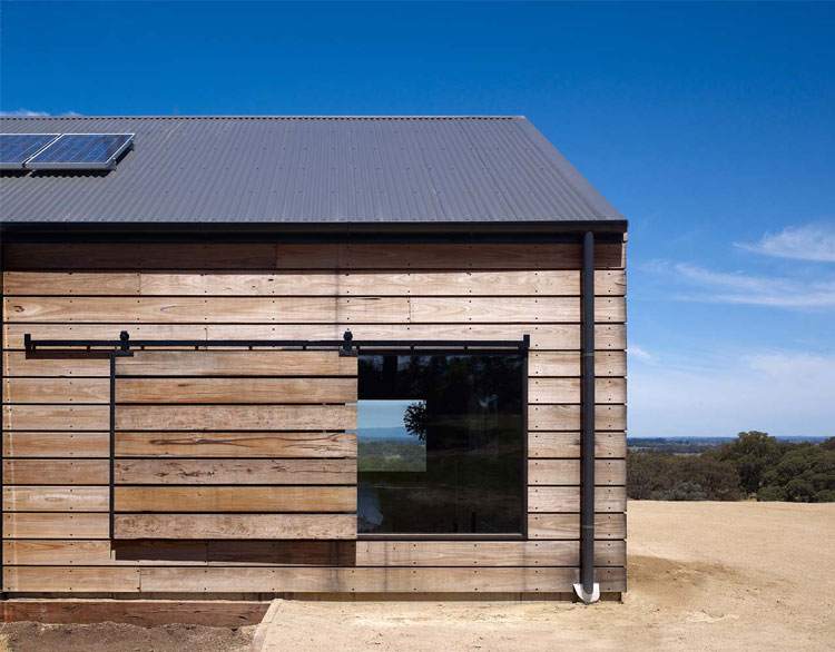 Hill Plain House: Agricultural Chic Outside; Moody ...