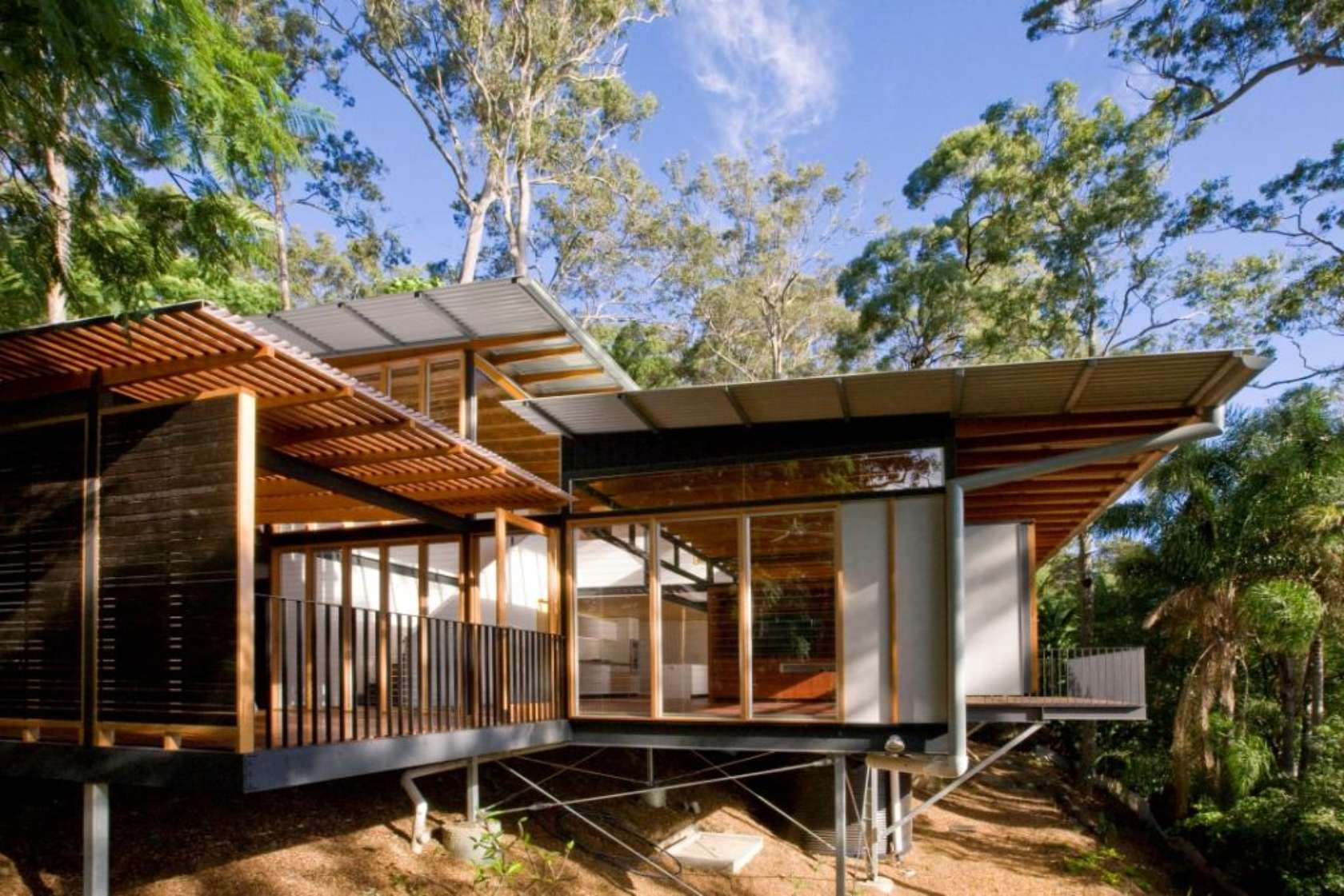 A bush style home for beautiful pittwater site for Modern house website