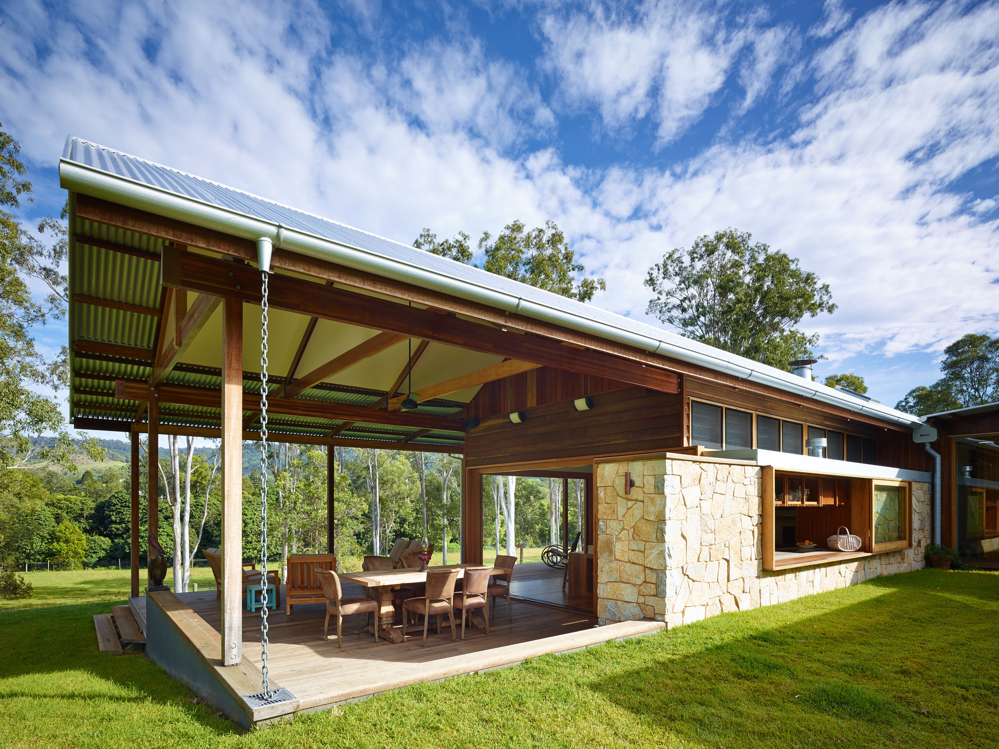 Hinterland house captures the spirit of rural australian style - Fachada de casas rusticas ...
