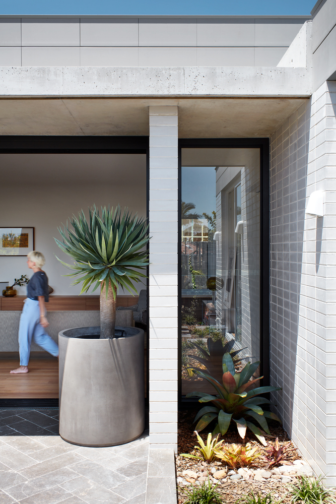 This Sydney Home Turns The Traditional Aussie House On Its