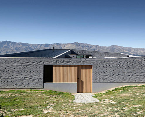 Lake Hawea Courtyard House Glamuzina Paterson Architects by Glamuzina Paterson Architects (via Lunchbox Architect)