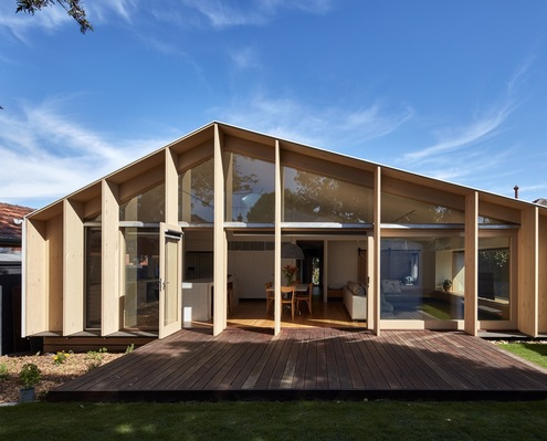 Lean-to House by Warc Studio (via Lunchbox Architect)