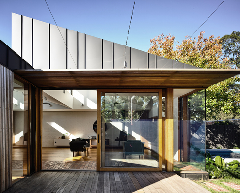 Light Saw House by Zen Architects (via Lunchbox Architect)