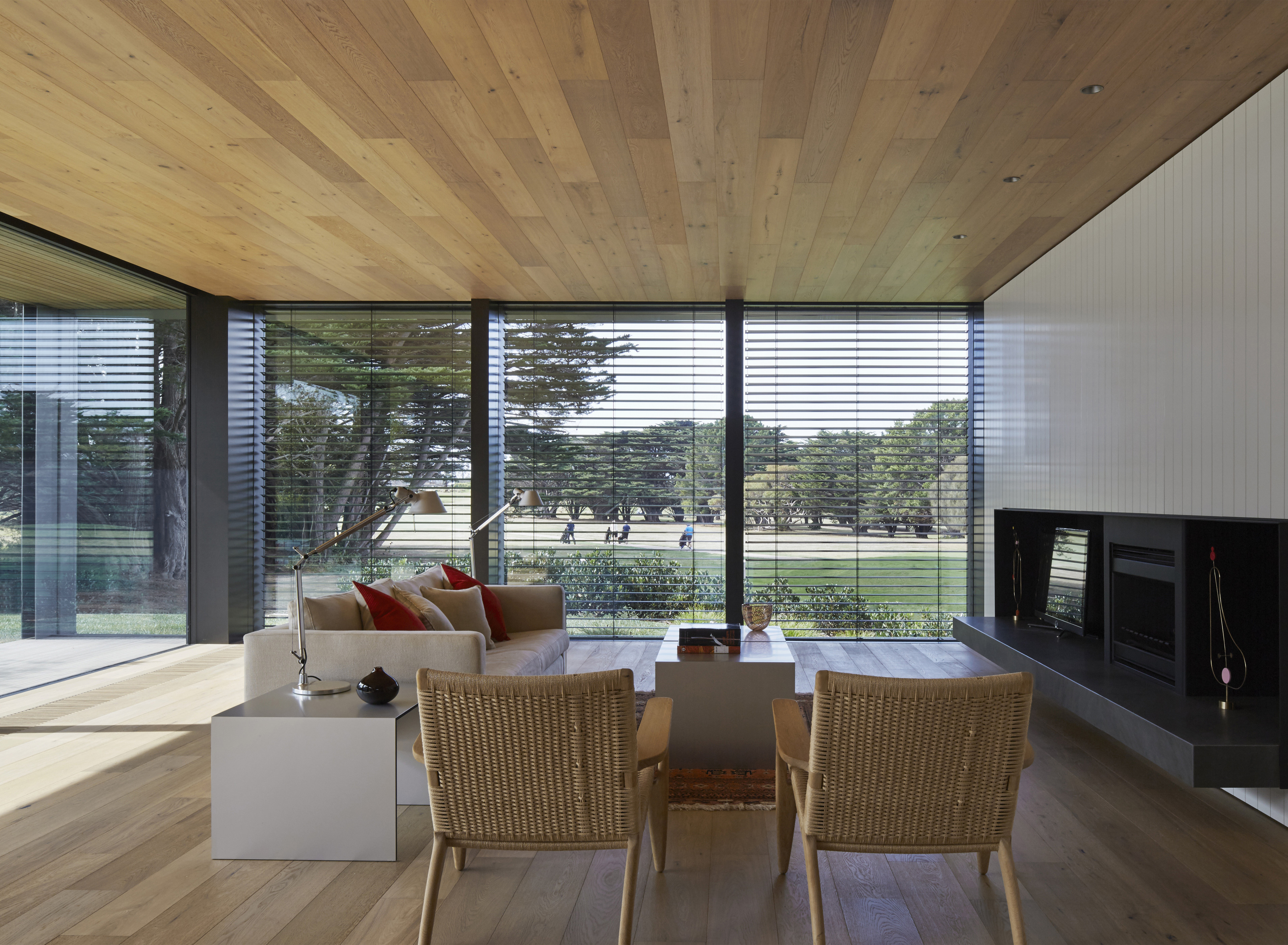 Links Courtyard House: Smaller Scale Allows Higher Quality ...