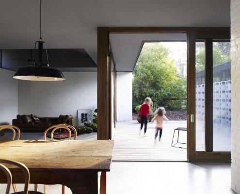 Merricks Beach House By Kennedy Nolan Architects (via Lunchbox Architect)