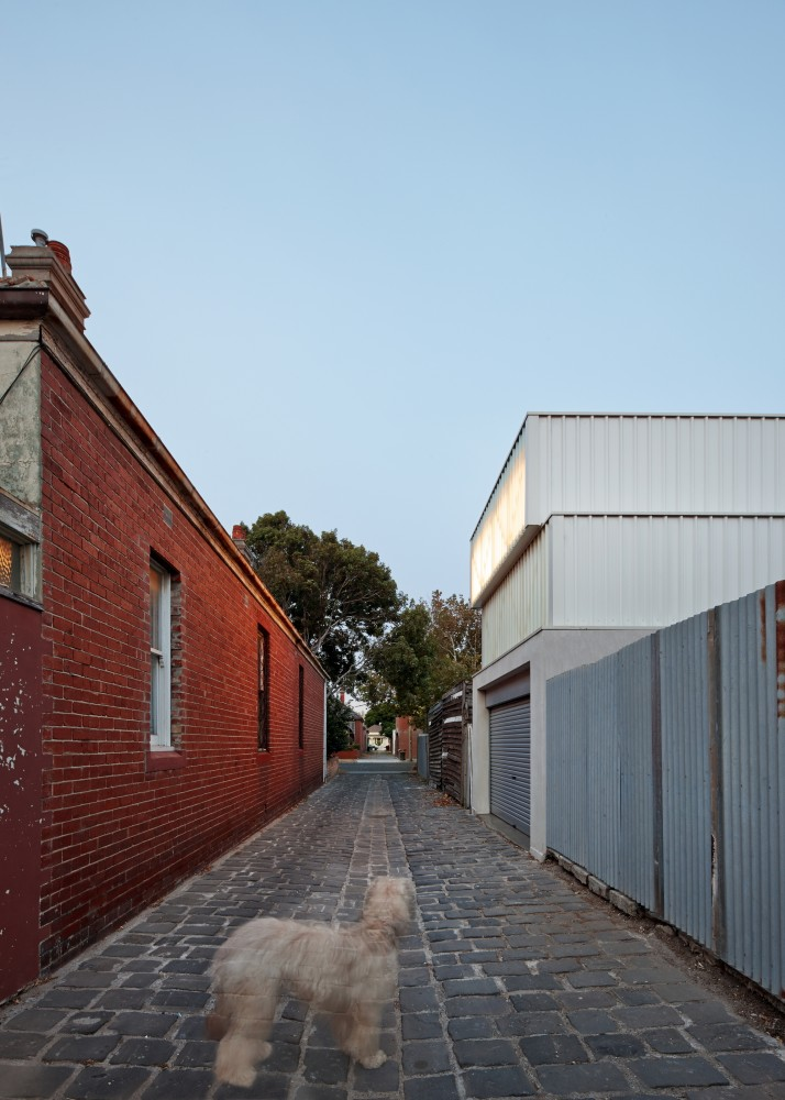Middle Park Studio Takes Advantage Of Rear Laneway Access