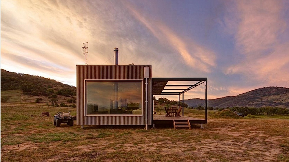 Modscape a tiny self sufficient cabin in rural australia for Self sufficient home designs