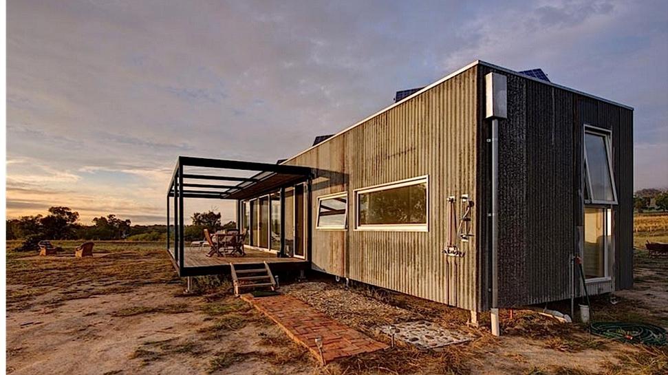 Modscape a tiny self sufficient cabin in rural australia for Self sufficient cabin kits