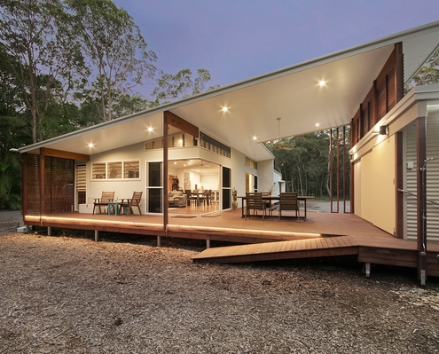 Mudjimba by Chris Klar Architects (via Lunchbox Architect)