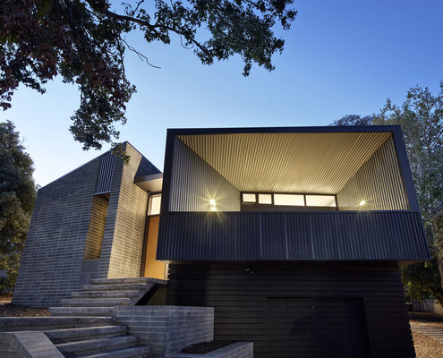 Narrabundah House by Adam Dettrick Architects (via Lunchbox Architect)