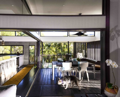 Nat and Gerry's Back Deck by Biscoe Wilson Architects (via Lunchbox Architect)