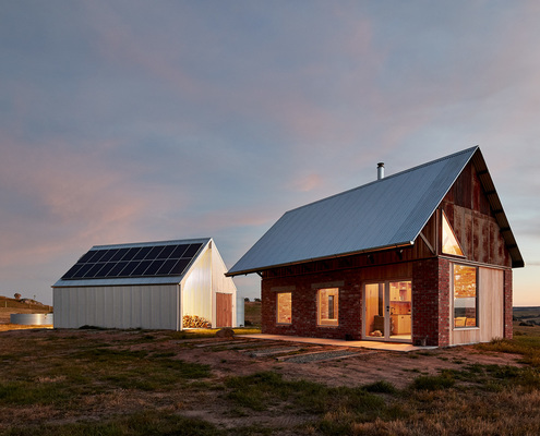 Nulla Vale House and Shed by MRTN Architects (via Lunchbox Architect)