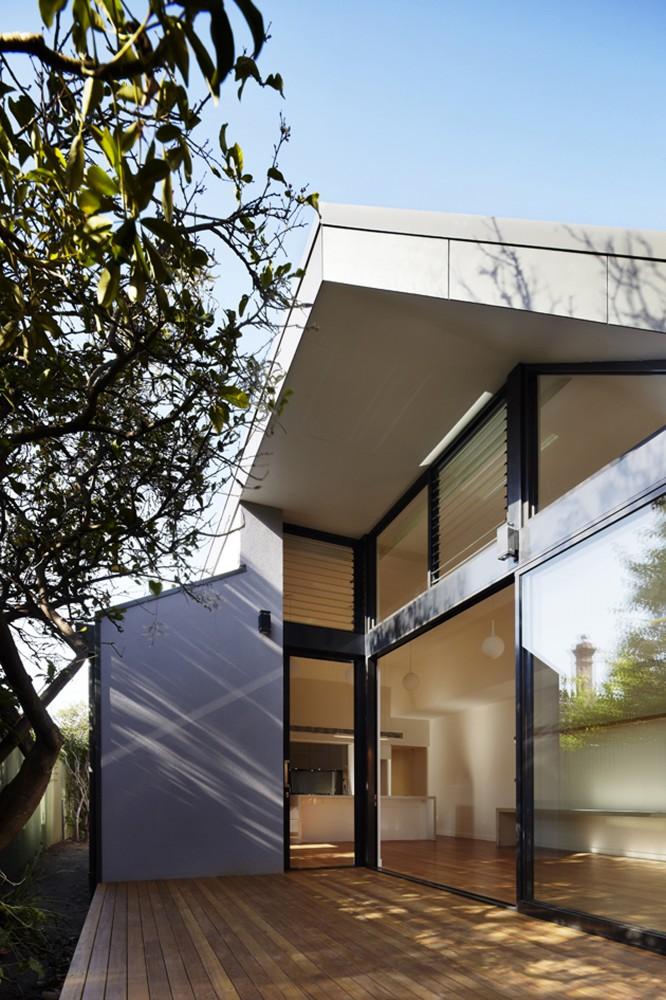 Modern Rear Extension Reinvigorates Patterson Street Residence