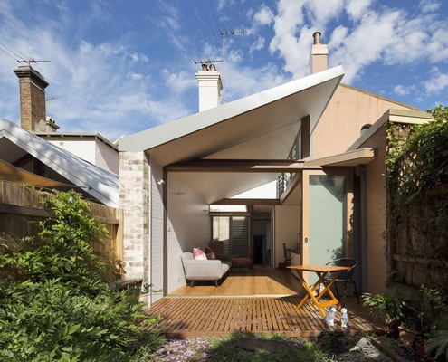 Petersham Courtyard House by Adriano Pupilli Architects (via Lunchbox Architect)