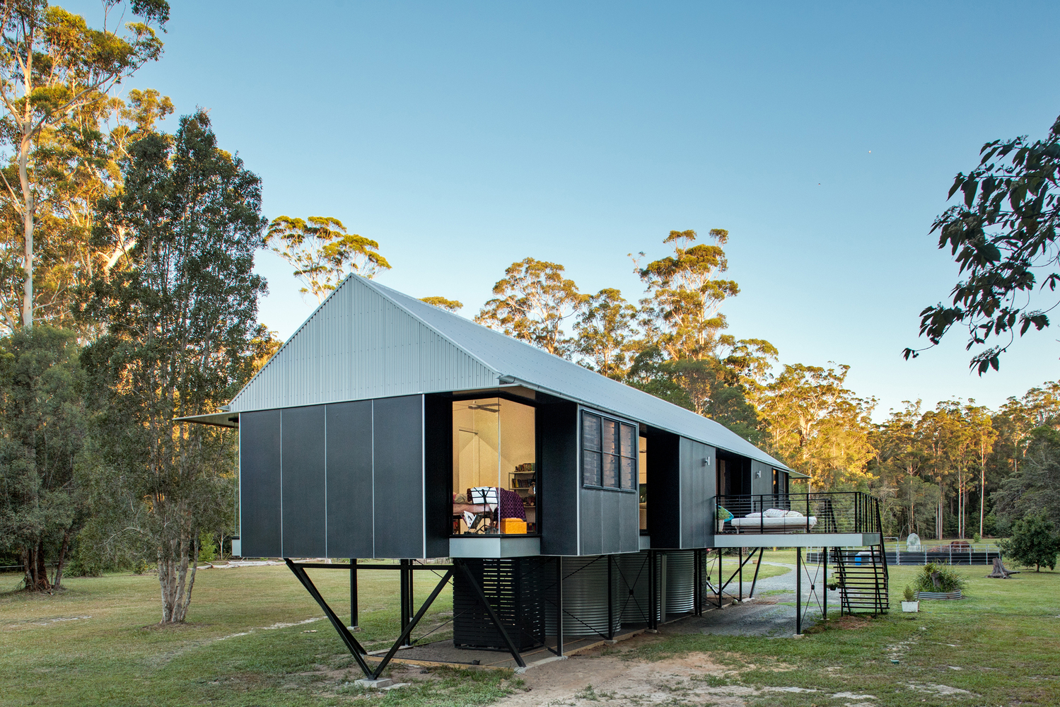 Self sufficient flood proof home floats over australian for Self sufficient home designs