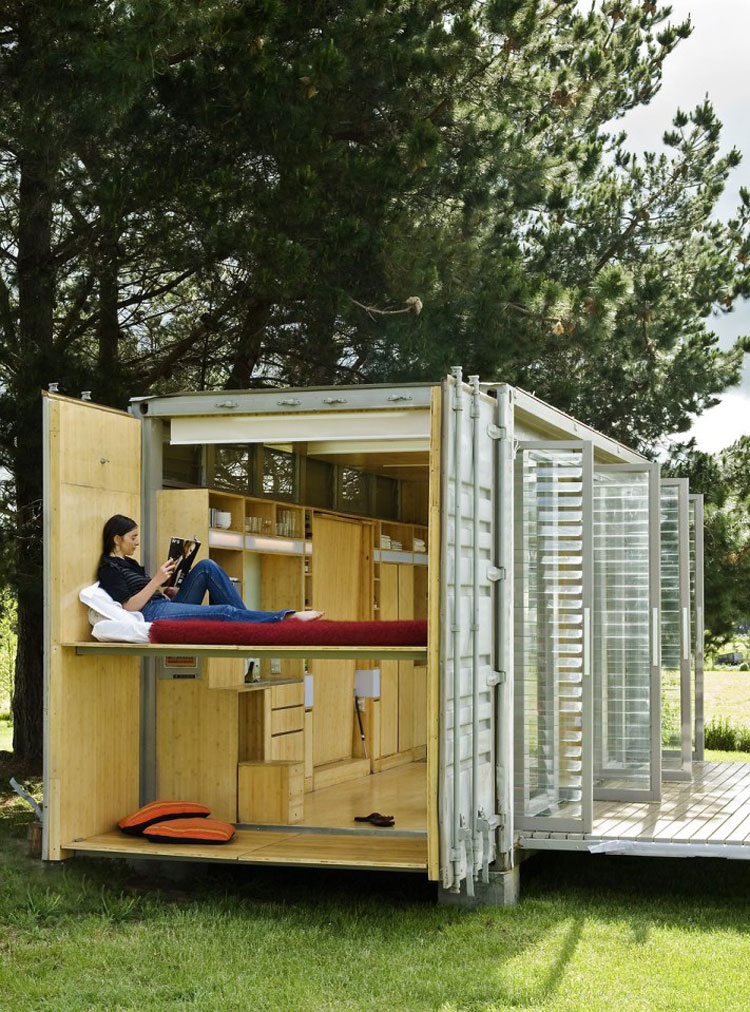 Port a bach a portable teeny tiny shipping container home - Contenedores usados para vivienda ...