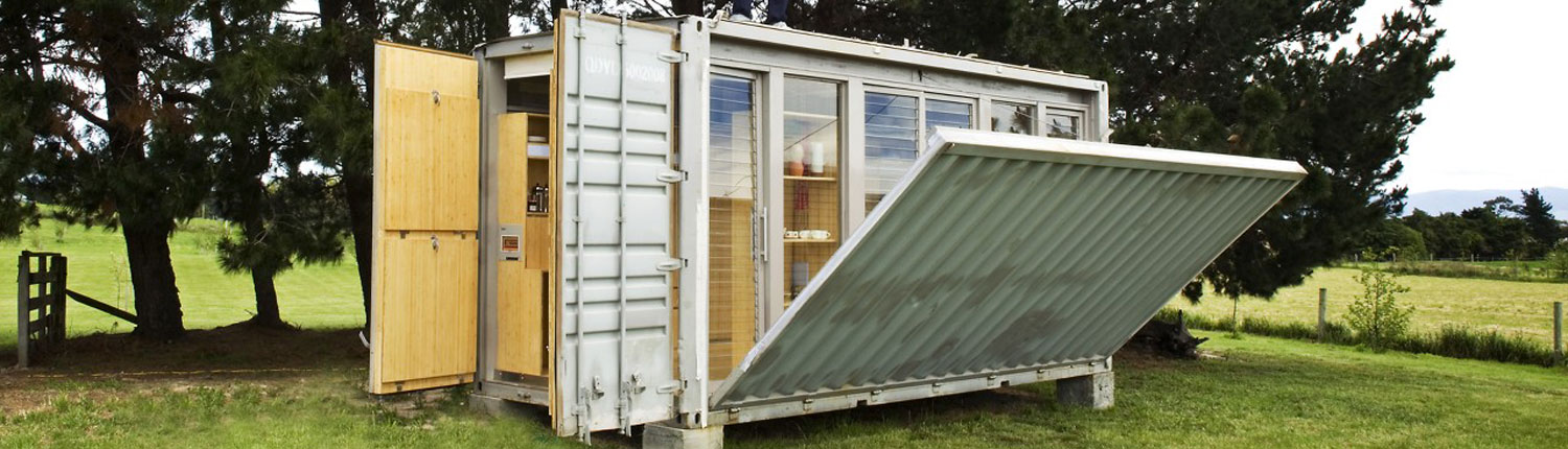 Port Bach Portable Teeny Tiny Shipping Container Home