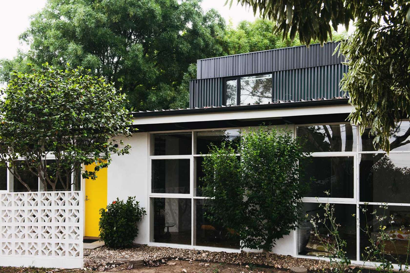 Pokey 1960s home gets a much needed 21st century reboot for Residential landscape architects melbourne