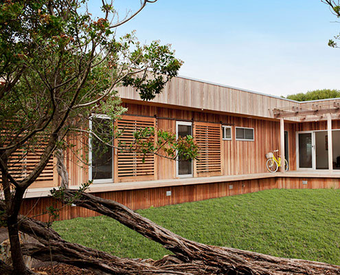 Sandy Point Prefab by Ecoliv (via Lunchbox Architect)