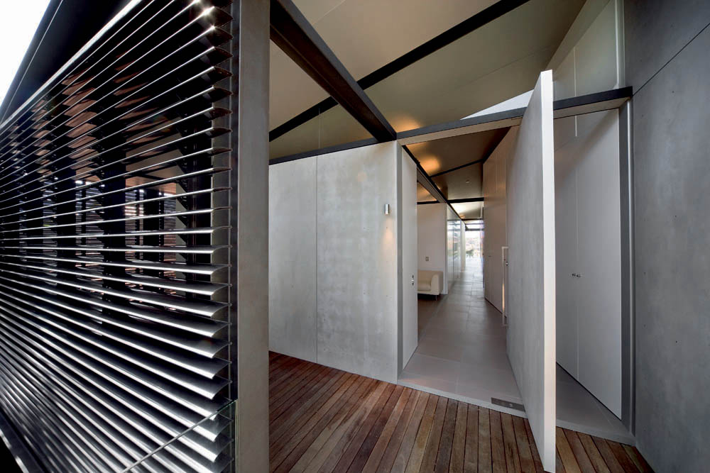 Semi Detached House Explores How 39 In Between 39 Spaces Can