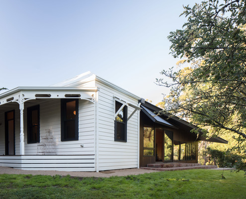 Shadow Cottage Daylesford by MRTN Architects (via Lunchbox Architect)