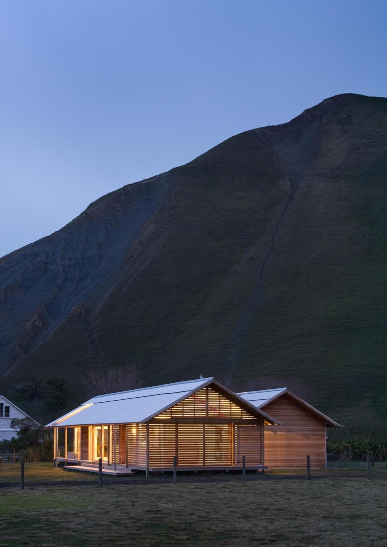 Shoal bay bach sits comfortably beside a rugged historic woolshed - Bay architecture ...