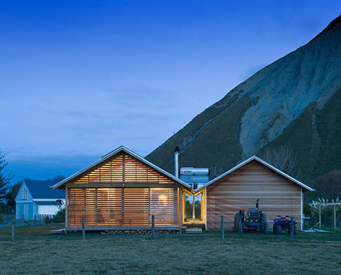 Shoal Bay Bach by Parsonson Architects (via Lunchbox Architect)