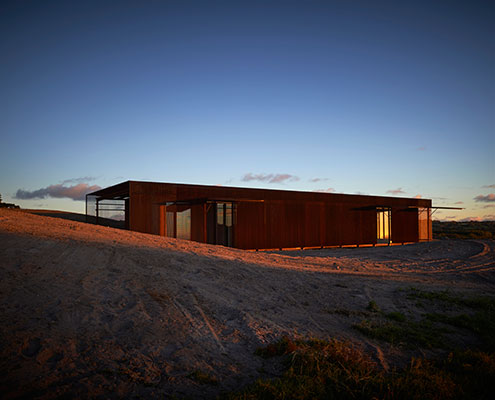 Tanderra House Sean Godsell by Sean Godsell Architects (via Lunchbox Architect)