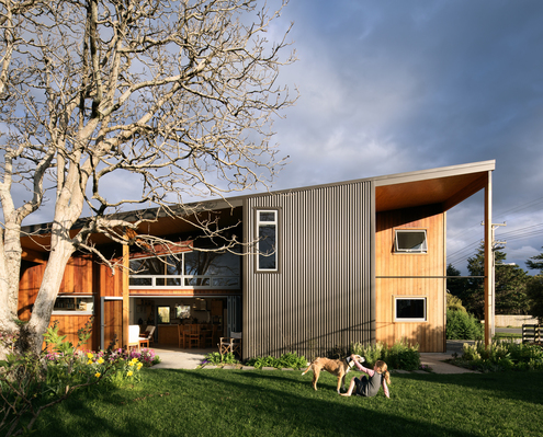 The Wairarapa Haybarn by First Light Studio (via Lunchbox Architect)