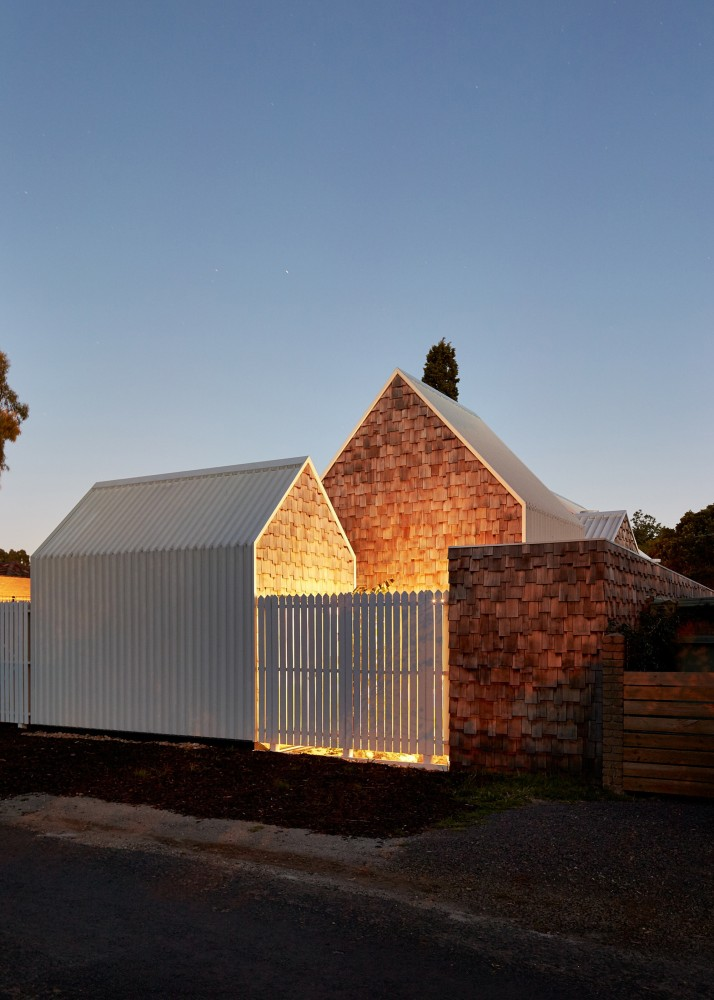 Modern Home Located In Montonate Italy: Tower House's Collection Of Small Pavilions Creates A