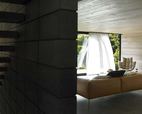 Waiatarua House by Monk Mackenzie Architects (via Lunchbox Architect)