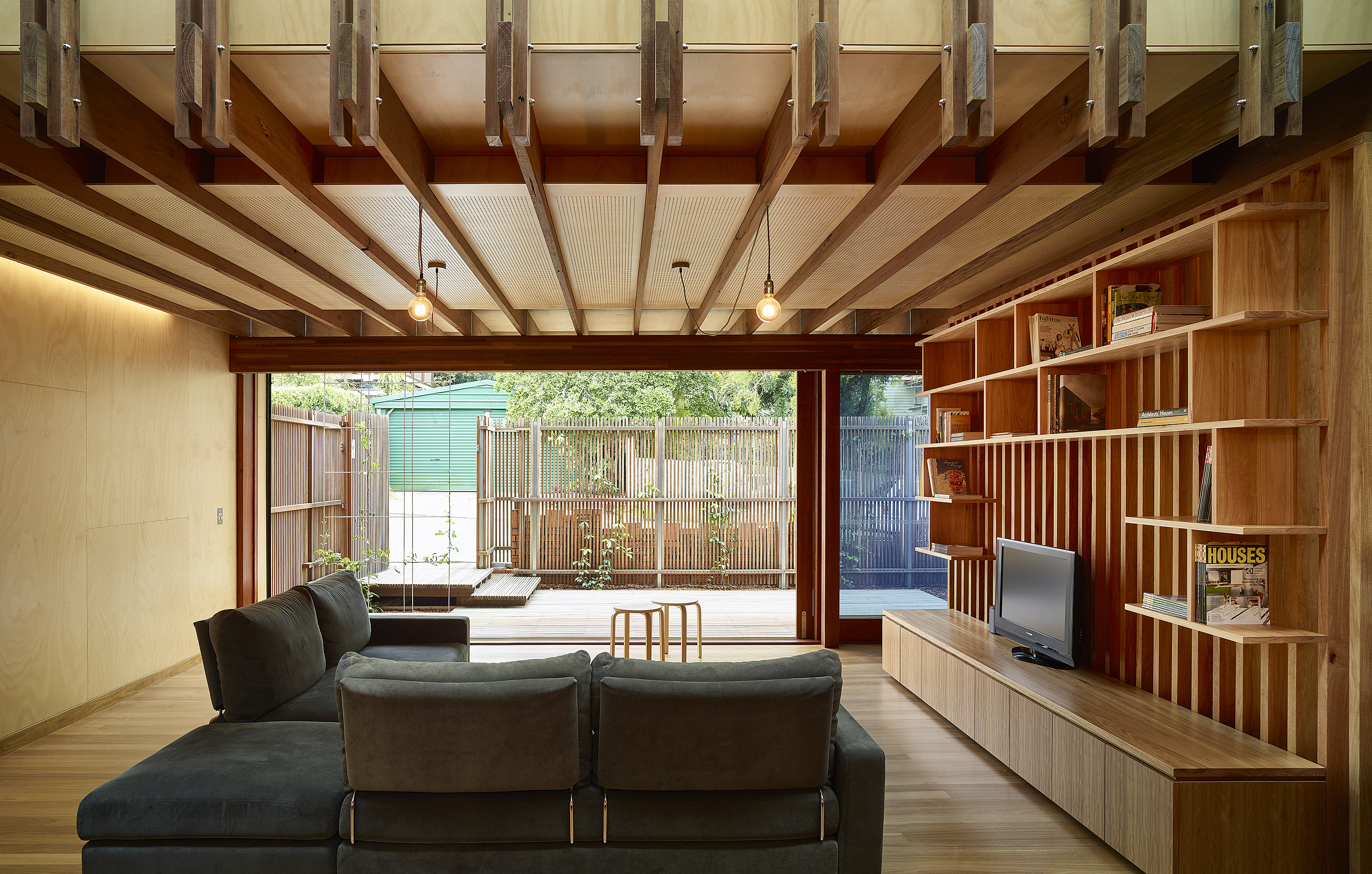 A Modern Take on a Timber Workers Cottage Fits in to Brisbane Street